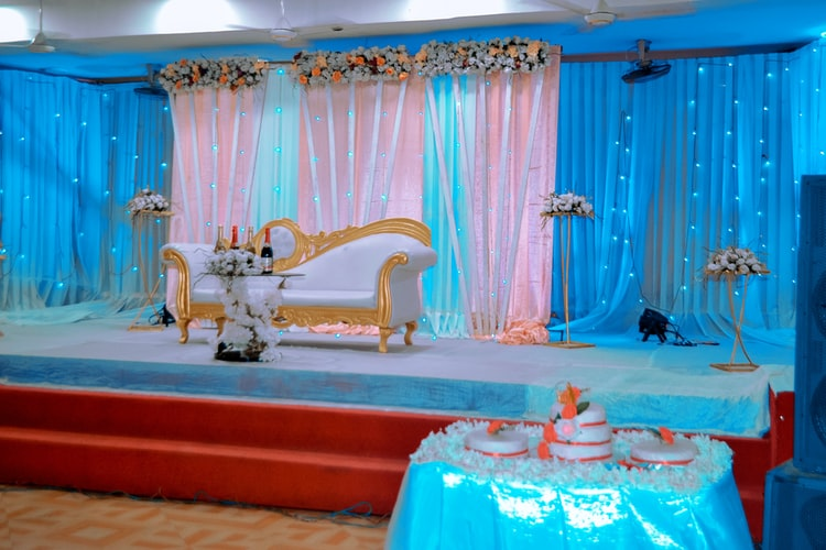 blue/pink decorated party place