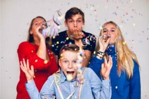 family party with confetti